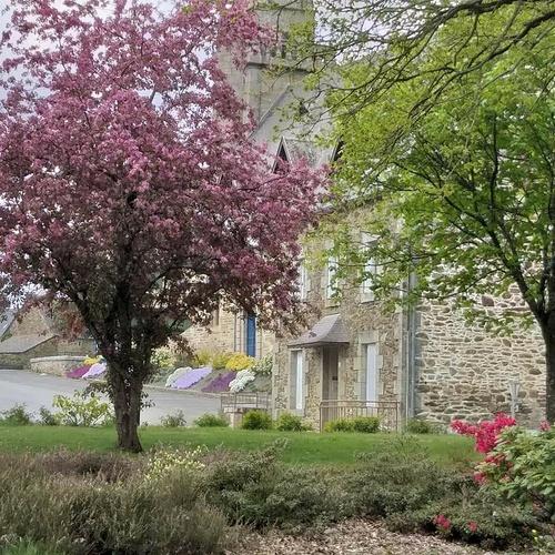 Petite promenade sur la butte Saint Michel et Petit Castel à St Martin des Prés